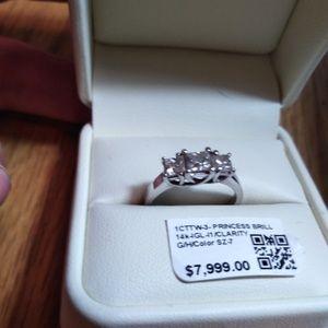 Jewelry - 1 carat diamond ring three stone 14-karat
